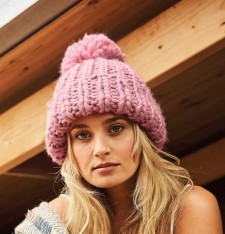 OVERSIZED HAND-KNITTED BEANIE B483 916